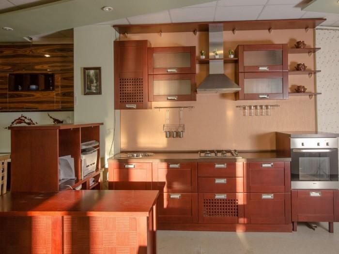 Кухня с рамкой - Модерн