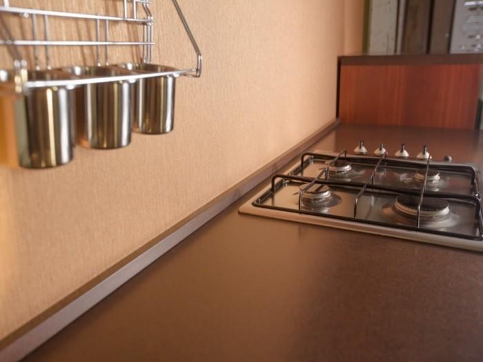 Кухня с рамкой - Модерн столешница