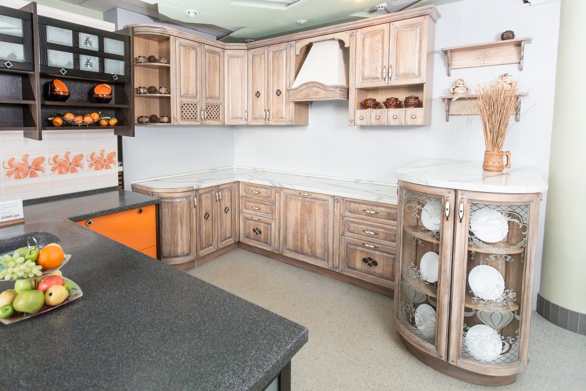 Кухонный гарнитур из массива ясеня