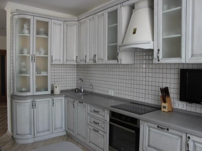 Кухня из массива дуба беленый с патиной серебро