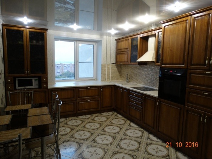 Кухня из МДФ в пленке ПВХ с фрезеровкой квадрат.